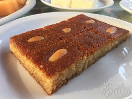 Baytna Tripoli: Good Food, Great Sweets... An Interesting Place