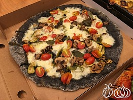 Winks: The Black Pizza Box is not Worth it