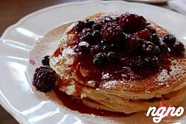 Lafayette New York: Stylish Eggs Benedict and Heartwarming Pancakes