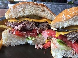 Papacho's: A Local Burger, Bad Service