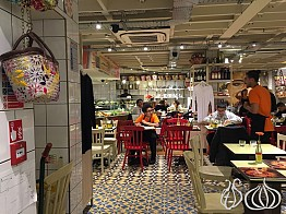Comptoir Libanais: Beautiful... Not the Food I Was Expecting