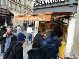 Creperie Genia: The Best Street Crepe in Paris